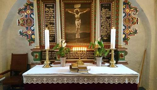Lys uden forurening i kirken